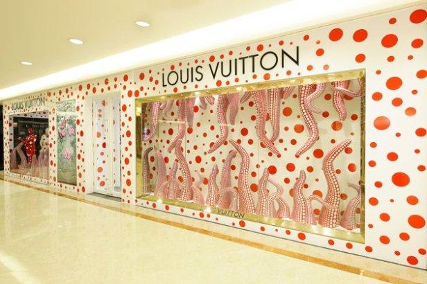 LOUIS-VUITTON-YAYOI-KUSAMA-CONCEPT-STORE--SINGAPORE-jpg_043305
